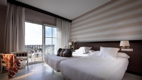 Sevilla: 1 o 2 noches en hotel 4* + Isla Mágica