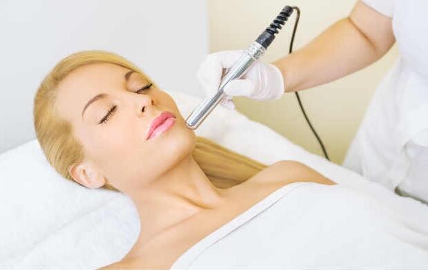 Limpieza facial completa con sérum coreano
