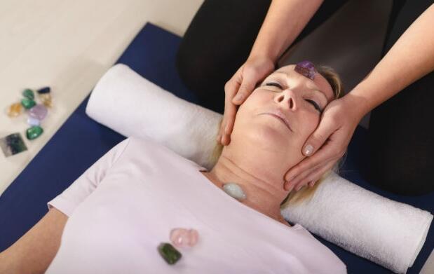 Equilíbrate con un tratamiento de chakras