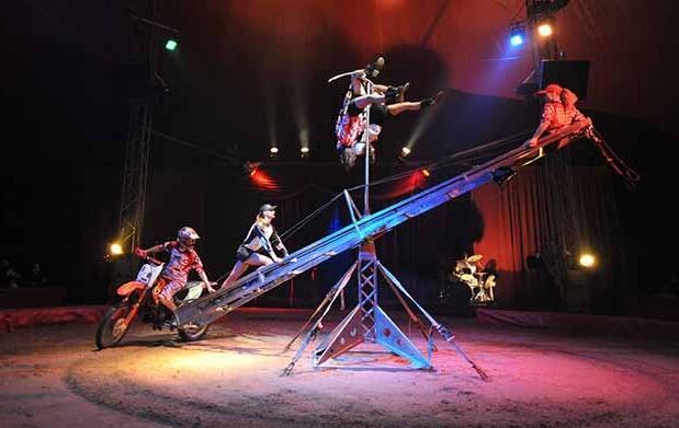 Llega la magia del Circo Vienna Roller