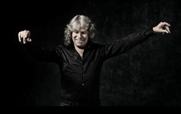 José Mercé llega íntimo y flamenco