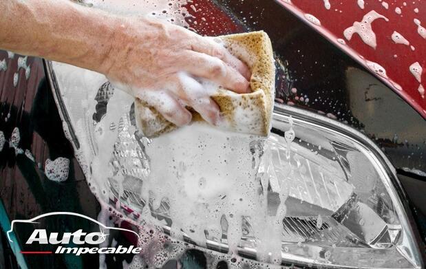 Completo lavado manual de tu coche