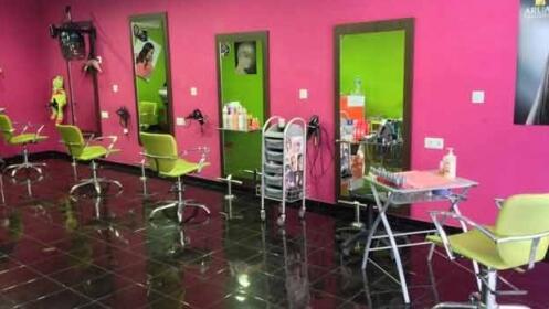 Tratamiento recuperador del cabello, corte y peinado