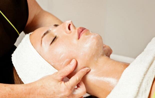 Limpieza facial con tratamiento