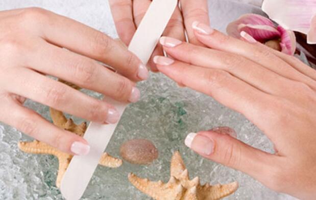 Manicura y pedicura + peeling manos/pies